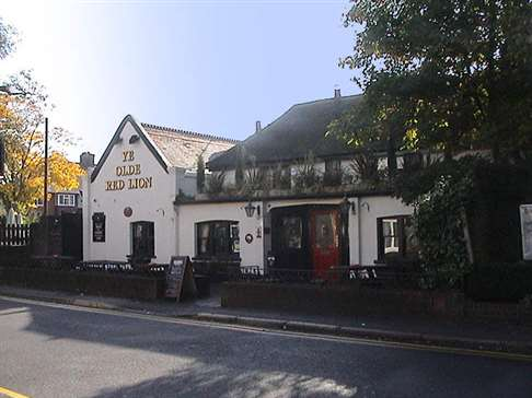 Ye Olde Red Lion, Cheam, Autumn 2008